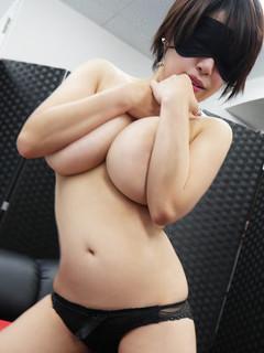 全裸美女からのカゲキな誘惑@川下ひかる
